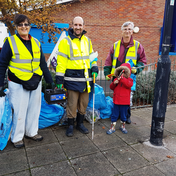 Cippenham Lib Dem Litter-Pick_Nov 18: Jo Hanney; Matthew Taylor (and son); Robert Plimmer